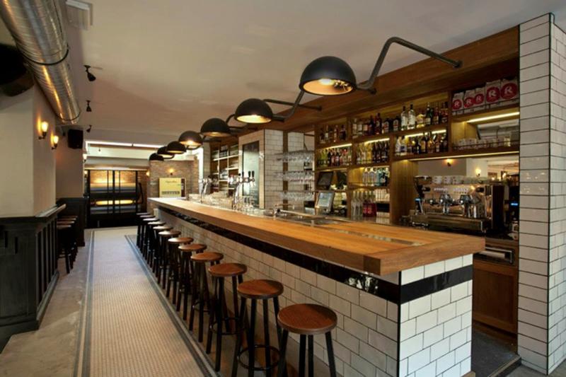 Elektro en verlichting aangelegd voor Café De Ebeling - Amsterdam ...